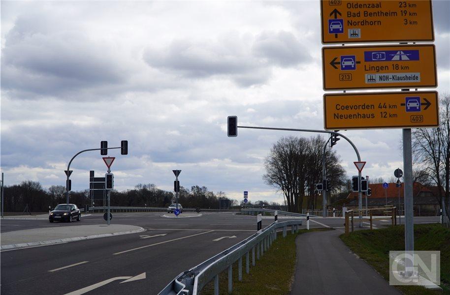 Abladen eines Baggers sorgt für Stromausfall in Nordhorn