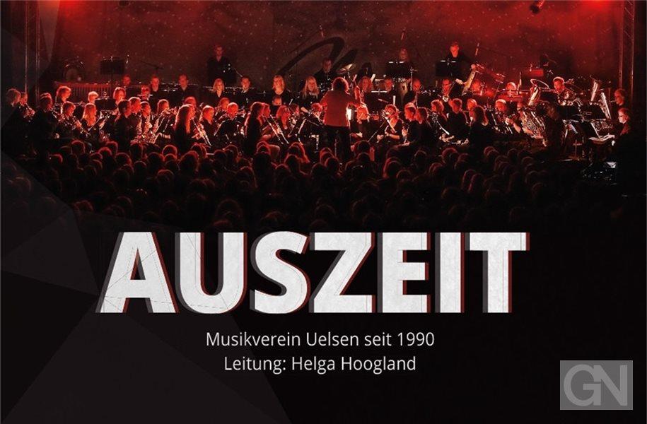 Das Cover der neuen CD zeigt das Orchester des Musikvereins Uelsen bei einem seiner großen Konzerte. Foto: privat