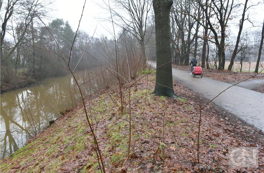 Uferrodung am Nordhorn-Almelo-Kanal beginnt