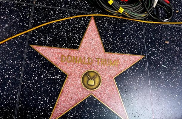 Der Stern von Donald Trump auf dem Hollywood Walk of Fame. Foto: Barbara Munker/dpa