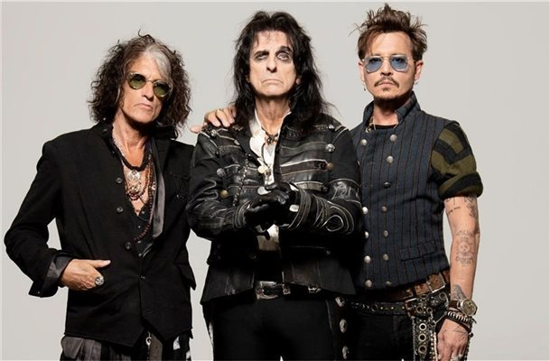Die Band Hollywood Vampires besteht aus Alice Cooper, Joe Perry und Johnny Depp. Foto: ear-Music/Ross Halfin