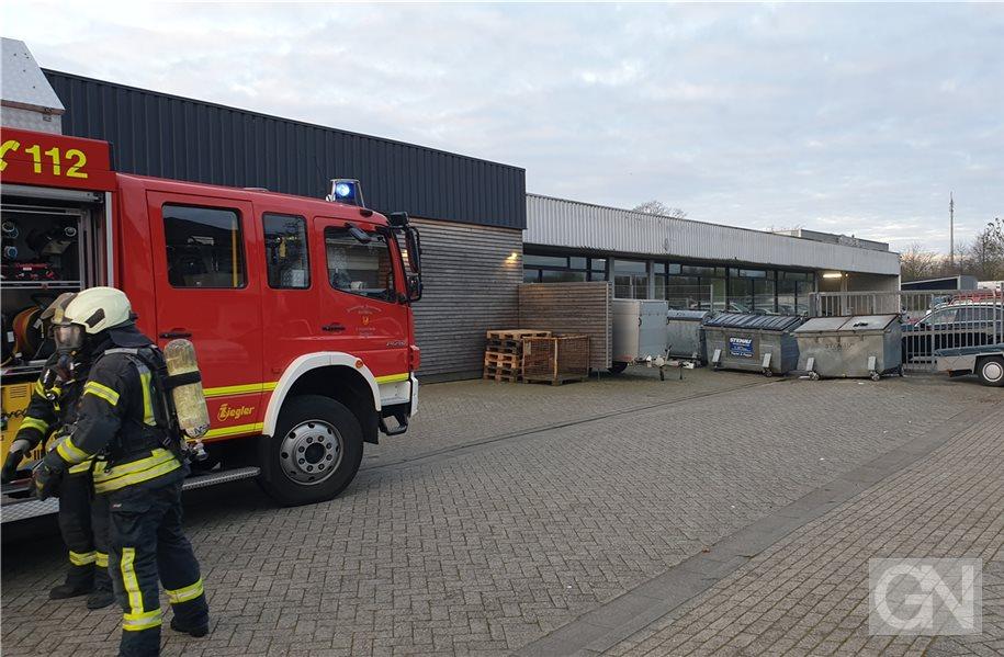 Feuerwehr löscht Containerbrand in Nordhorn