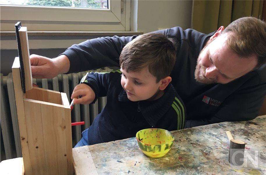 Nordhorner Grundschüler bauen Nistkästen