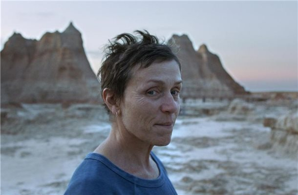 "Frances McDormand als Fern in einer Szene des Films ""Nomadland"". Foto: --/Searchlight Pictures/20th Century Studios/Walt Disney/dpa"