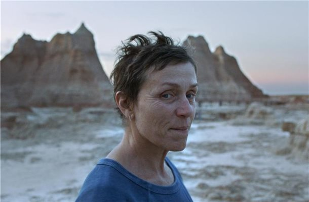 "Frances McDormand als Fern in einer Szene des Films ""Nomadland. Foto: --/Searchlight Pictures/20th Century Studios/Walt Disney/dpa"