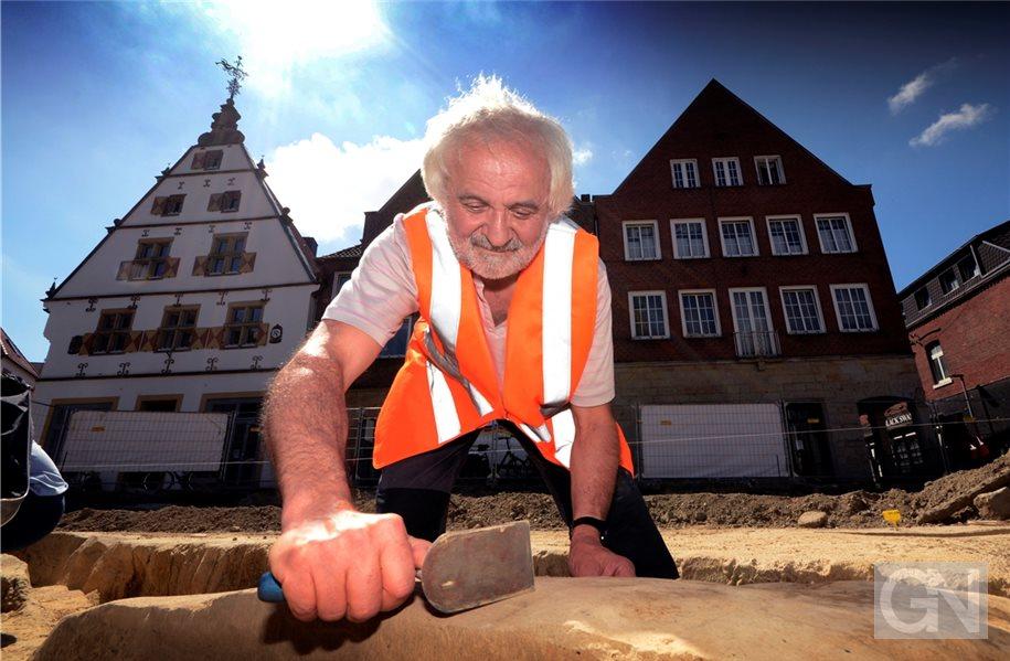 Marktplatz In Rheine Wird Zur Fundgrube Für Archäologen