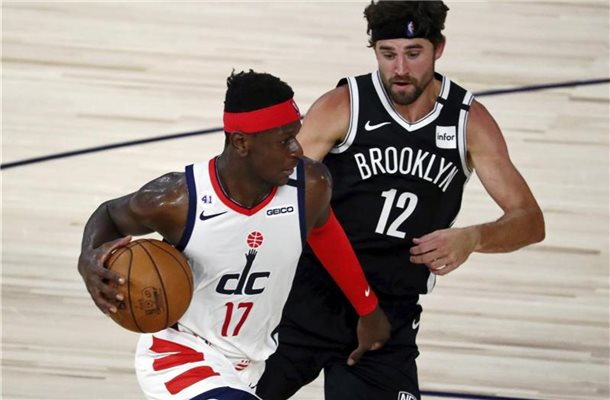 Isaac Bonga (l) verlor erneut mit den Washington Wizards. Foto: Kim Klement/Pool USA Today Sports/AP/dpa