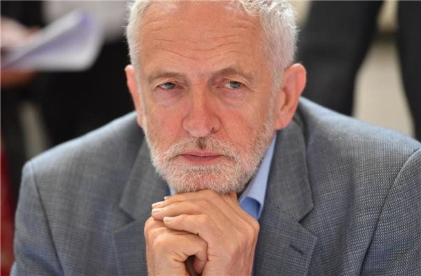 Corbyn will durch Johnson-Sturz No-Deal-Brexit verhindern