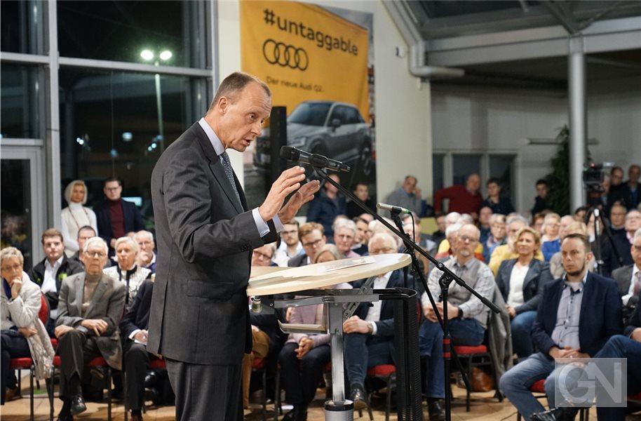 """Merz fragt in Nordhorn: """"Warum gibt es kein Geld zurück?"""""""