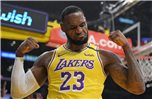 LeBron James von den Los Angeles Lakers ist der Superstar der NBA. Foto: Mark J. Terrill/AP/dpa