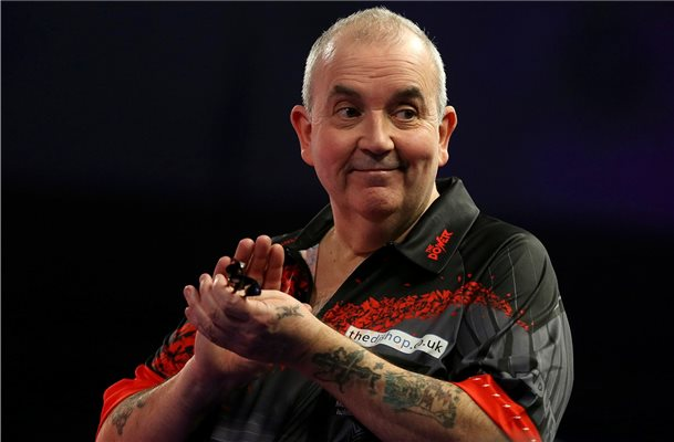 Rekordweltmeister Phil Taylor kommt auch nach Lingen. Foto: Steven Paston/PA Wire/dpa