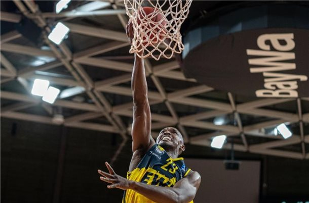 Rickey Paulding von den EWE Baskets Oldenburg in Aktion. Foto: Ulf Duda/fotoduda.de/BBL/Pool/dpa/Archivbild
