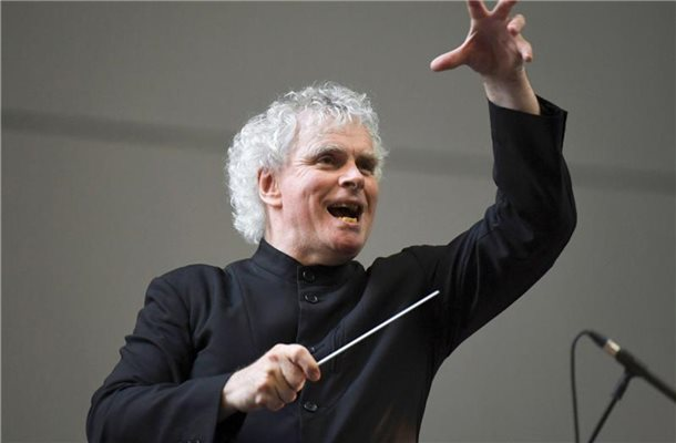 Sir Simon Rattle wird Chefdirigent des BR-Symphonieorchesters in München. Foto: Doug Peters/PA/AP/dpa