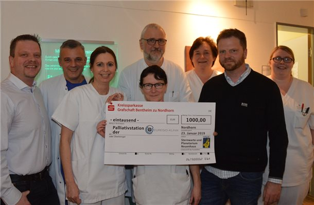 Sternwarte Neuenhaus spendet 1000 Euro an Palliativstation