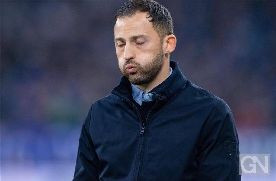 Blanke Wut Auf Schalke Trainer Tedesco Vor Dem Aus