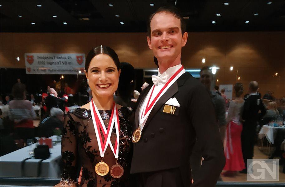 Strahlende Landesmeister: Gitta und Rainer Koning von der TSG Nordhorn. Foto: privat