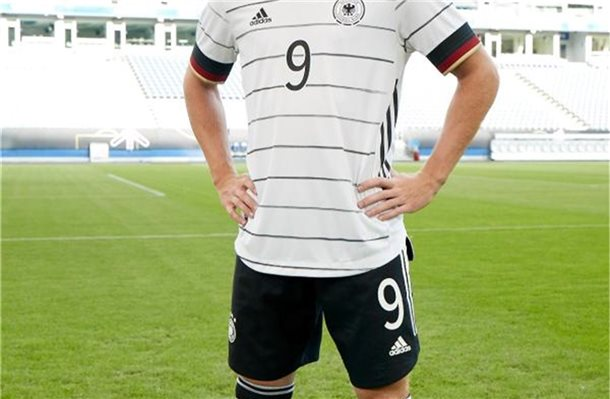Timo Werner im neuen DFB-Outfit. Foto: -/adidas/dpa