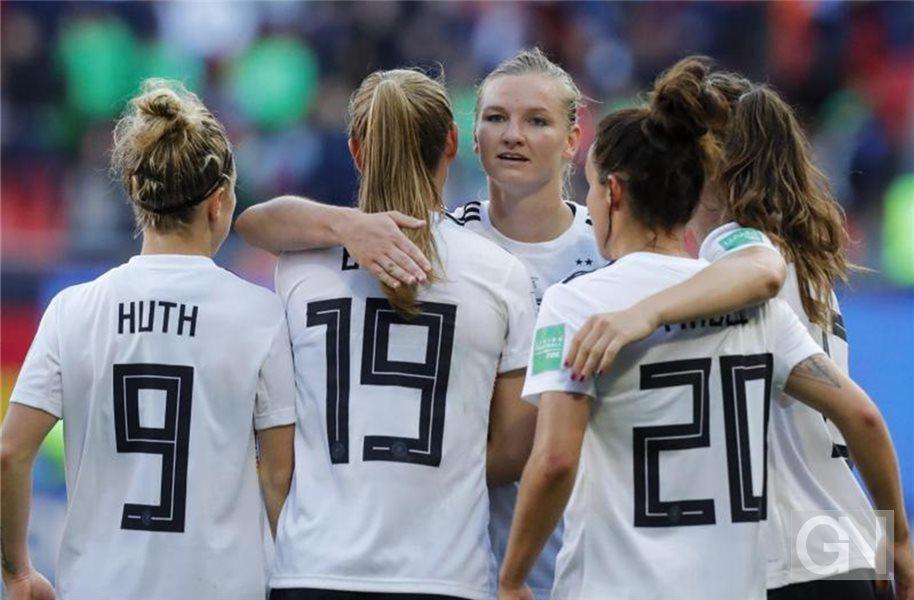 Fussball Frauen Im Wm Achtelfinale Lassen Nicht Nach